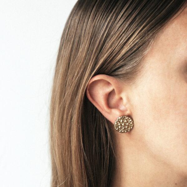dovile b 9ct gold disc stud earrings