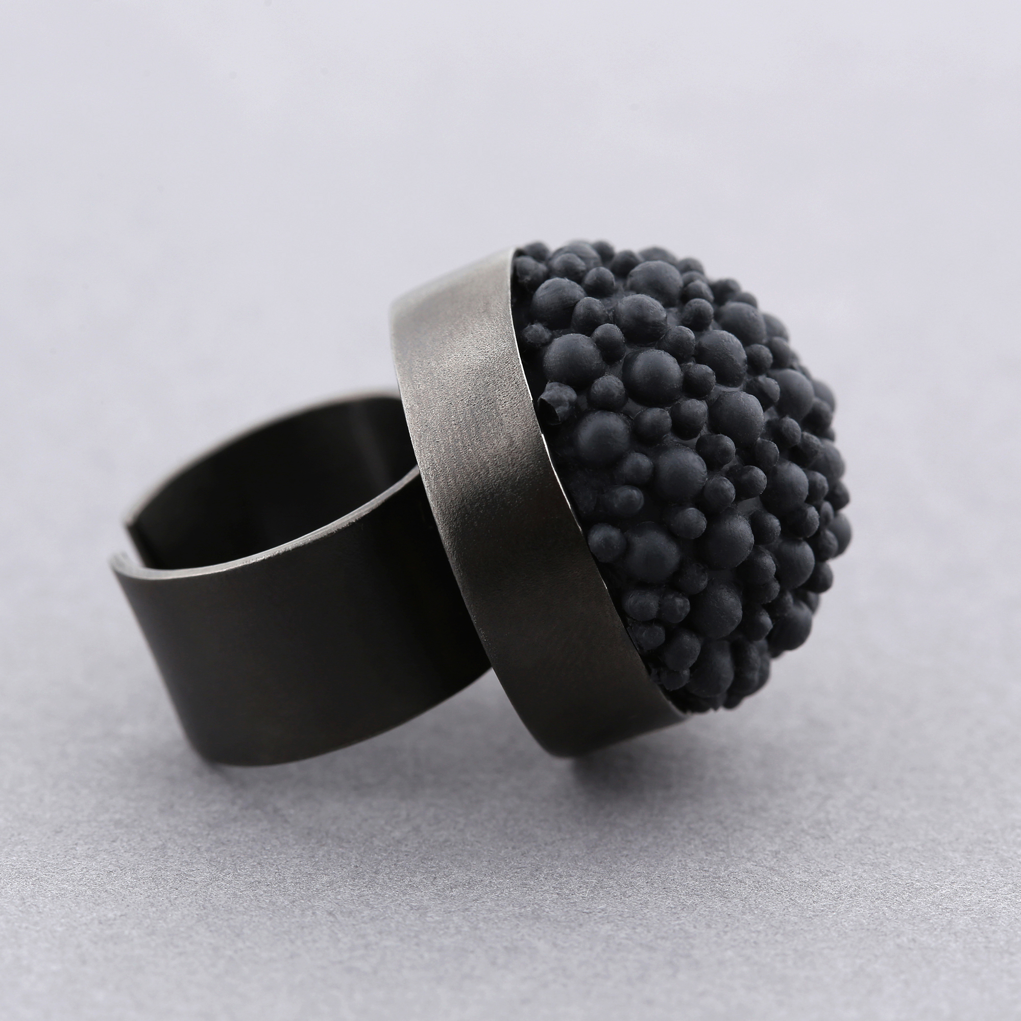 ring silicon dovile rhodium blabk black b rings statement sq silicone shop dovil
