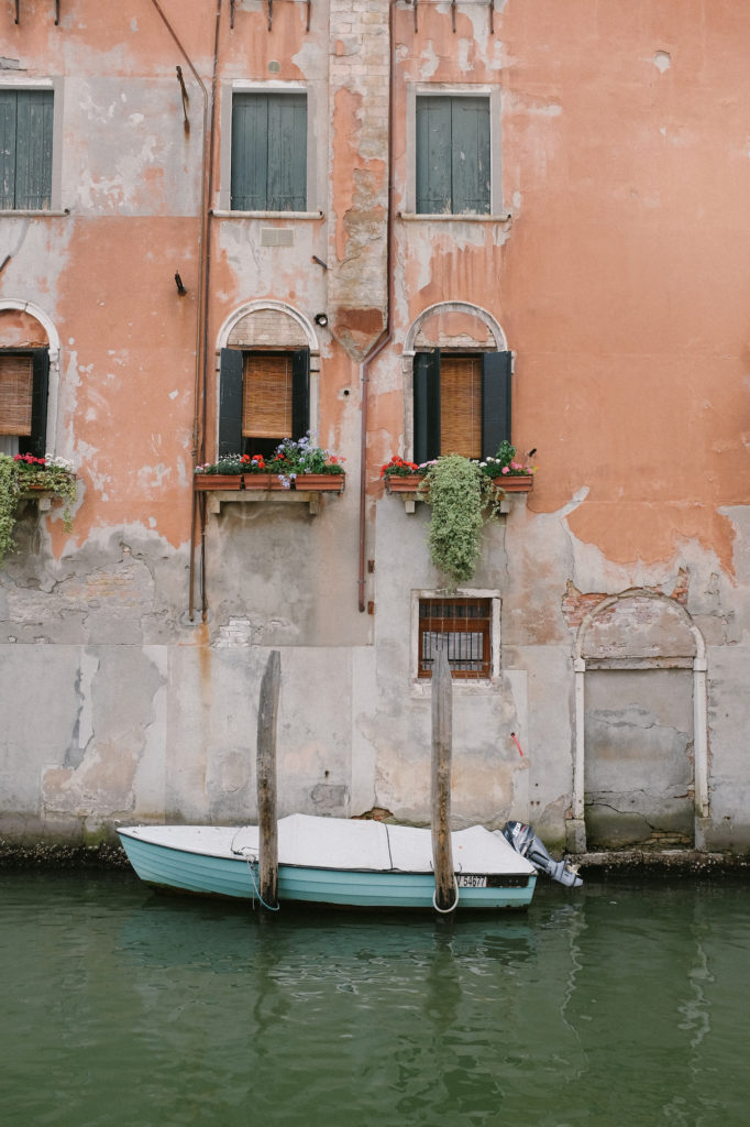 dovile b. venice colours inspiration