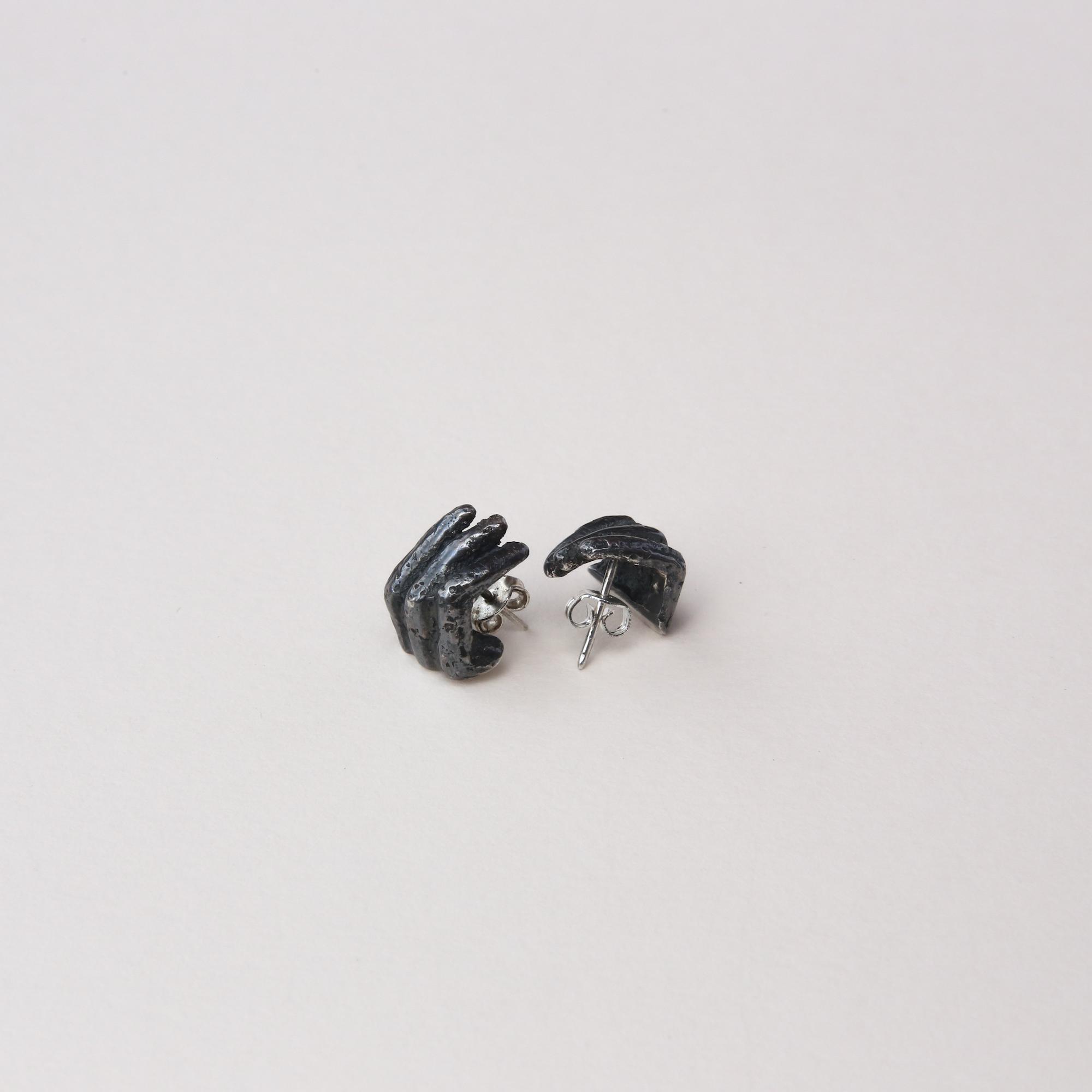 Phobia | Finger Stud Earrings